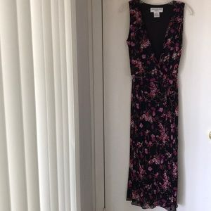 Jones New York Dress. Rayon 12. Pretty